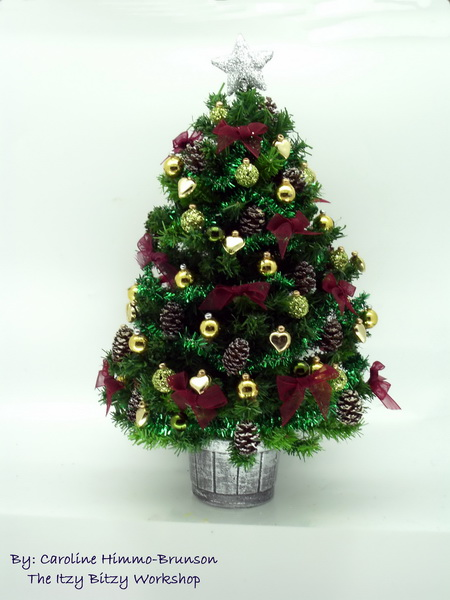 Luxury Green and Gold Christmas Tree