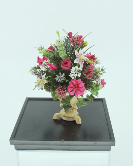 Grande OOAK dollshouse 12th scale formal Lilly arrangement - Click Image to Close
